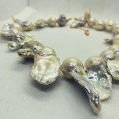 Gioielli artigianali particolari: perle scaramazze
